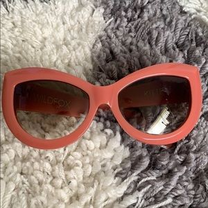 Wildfox coral pink kitten sunglasses with case